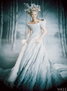 winter-wedding-inspiration-ombre-wedding-dress.full